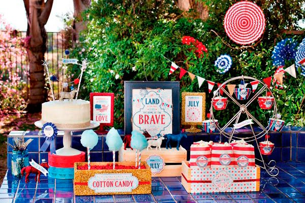¿cómo hacer una fiesta para el 4 de julio? Salchichas, dulces y bebidas para un 4 de julio en familia