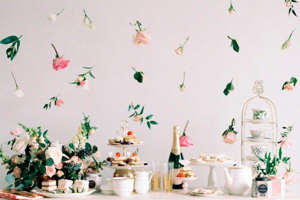 Cómo hacer una guirnalda con flores Delicada guirnalda floral para tu celebración