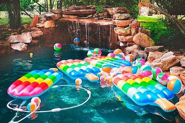 Decoración con paletas heladas para fiesta de niña Celebra un colorido y refrescante cumpleaños