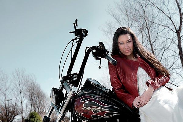 Entrada triunfal en motocicleta para tus 15 años