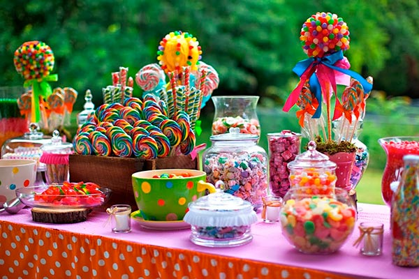 Fiesta de 15: Ideas juveniles para la mesa de dulces