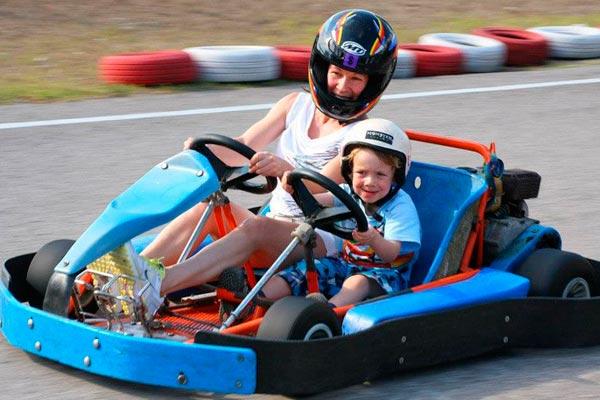Go karts en familia Un día del niño ¡a toda velocidad!