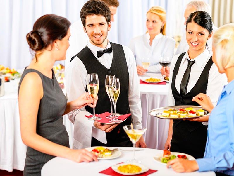 Ideas para el menú perfecto de una boda Cómo lograr un increíble banquete al aire libre