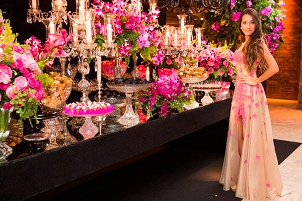 Orquídeas en la mesa de tu fiesta de 15 años