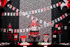La fiesta del póker - Divertida celebración con naipes