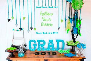 Sencilla celebración de grado - Estimulante y alegre fiesta de graduación