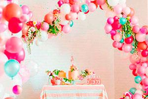 Coloridas guirnaldas de globos - Guirnaldas de globos para tu fiesta