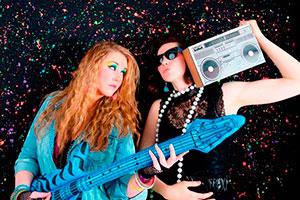 Cumpleaños al estilo años 80's - Colorida celebración en tonos neón