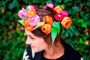 Cómo hacer flores de papel - Sofisticadas florecillas de papel para tus celebraciones