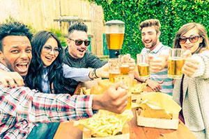 ¿Cómo organizar una fiesta en casa? - Planifica una entretenida celebración entre amigos
