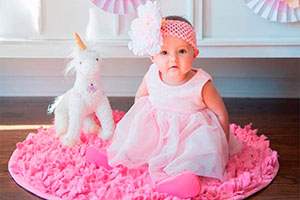 Fiesta de unicornios para niñas - Primer cumpleaños con adorables unicornios