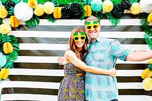 Decoración con piñas para cumpleaños de adultos - Celebra un cumpleaños fresco y tropical