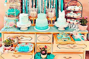 ¿Cómo elegir la mesa de dulces perfecta? - 5 exhibidores de postres ideales para tu celebración