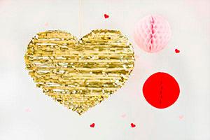 ¿Cómo hacer una piñata en forma de corazón? - Un corazón de oro para tu fiesta