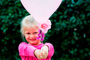 Decora globos tú misma - Hermosos globos decorados con flores artificiales