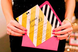 Invitaciones para fiestas de chicas - Causa sensación con tus tarjetas