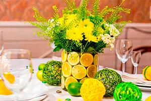 Cómo hacer un arreglo con rodajas de limón - Arreglo floral con un toque cítrico