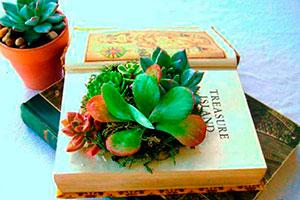 ¿cómo hacer arreglos florales con libros? - Convierte tu libro en una obra de arte