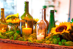 Ideas para decorar con botellas de vino - Exóticos centros de mesas con botellas de vino