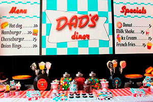 Día del padre estilo de los años 50 - Celebra con papá en una increíble fuente de soda