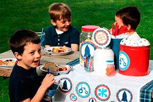 Divertido 4 de julio al aire libre - Entretenida celebración del 4 de julio para niños