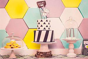 Ideas para el primer cumpleaños de mi bebé - Geométria monstruosa: ¡un moderno primer cumpleaños!