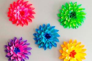 Originales flores de papel - Idea para realizar coloridas dalias con papel