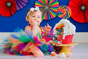 Un cumpleaños muy colorido - Primer cumpleaños sobre el arcoiris