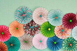 Sencillos molinos para decorar - Molinos de papel fáciles de hacer